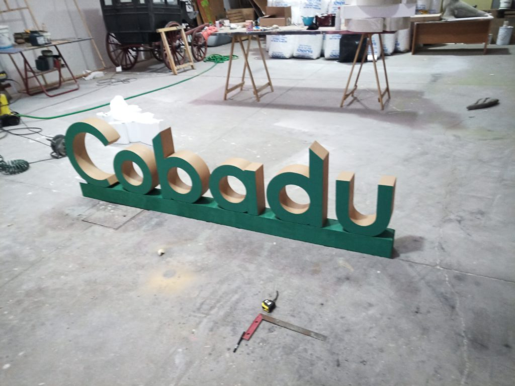 Letras corpóreas Cobadu